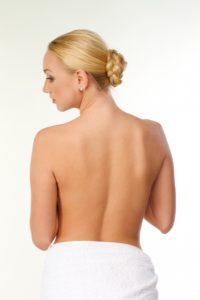 女性の肩甲骨
